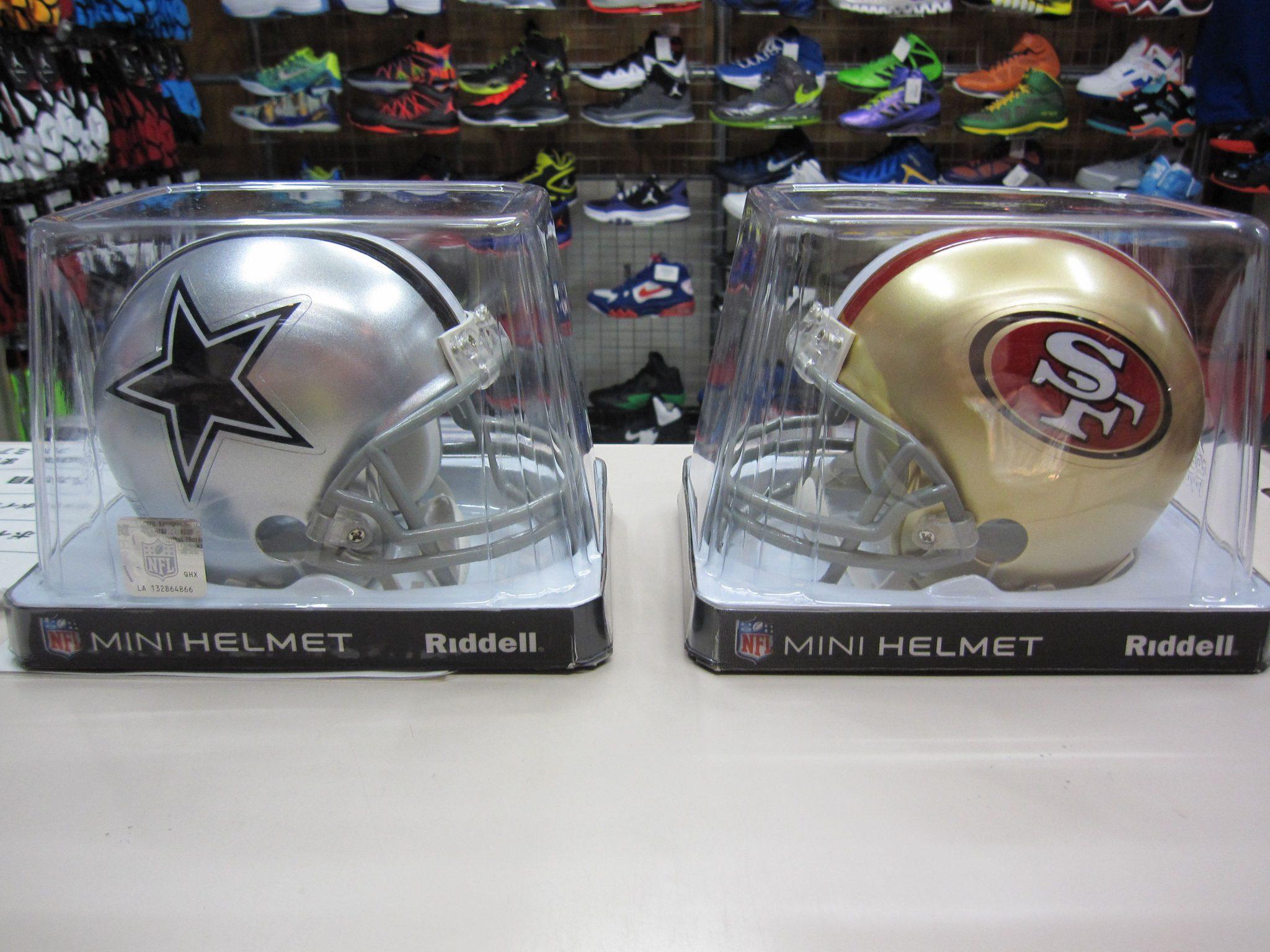 NFL 定番のミニヘルメットが待望の再入荷☆