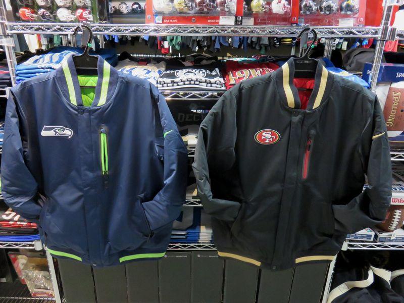 NFL 新モデルのリバーシブル・ジャケットが入荷しました!!