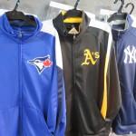 春に大活躍!!MLB  Take Out Slide Track Jacket が入荷致しました☆ブルージェイズやアスレチックス等のチームもございます\(^o^)/