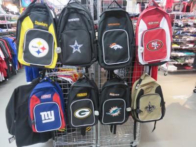 NFL バッグが大人気!!新生活や新学期を迎える方にオススメです(・∀・)