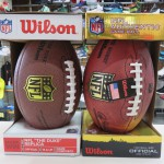 大人気!NFL Wilson製 オフィシャル、レプリカボールが再入荷☆