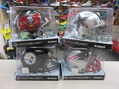NFLファン定番アイテム!ミニレプリカヘルメットが大量入荷しました♪