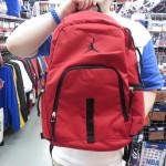 JORDANジャンプマンバックパックにレッド/ブラックのNEWカラーが新登場☆スポーツや普段使いもしやすいです(・ω<)