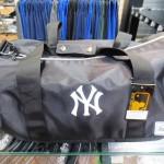 旅行やスポーツに!ニューヨークヤンキースボストンバック☆イーカムの新作が入荷しました~!!!人気間違いし(^O^)☆