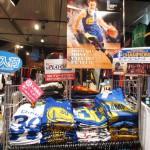 選べるのは今だけ!!即売り切れのカリー選手Tシャツ、ウォリアーズファイナル関連Tシャツが入荷!!