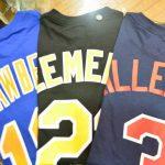 往年のMLBファンの方お待たせ致しました!!昔懐かしいのあの選手たちのナンバーTシャツ、入荷です!!