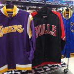 NBA ミッチェル&ネス これからの季節にピッタリなジャケット入荷してます!大人気ブルズ、レイカーズ、ウォリアーズの3チームが勢揃い!!ぜひチェックしてください!