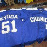 人気選手のレプリカユニホーム、Tシャツ再入荷しました!