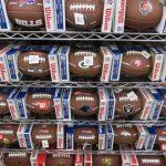 NFL ボールたくさん入荷しました!ミニサイズからオフィシャルボールまでたくさん揃っています♪夏もたくさん運動して、元気に過ごしましょう!!!